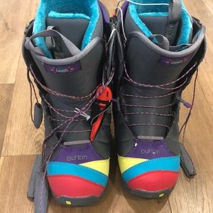 Button Snowboarding Boots
